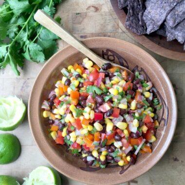 Sweet pepper black bean salsa