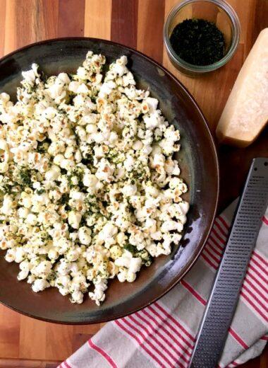 kale dusted popcorn
