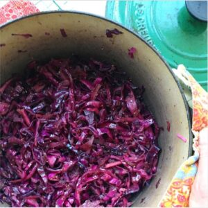 Two simple cabbage recipes you'll love: braised red cabbage & savoy cabbage sauteed in butter