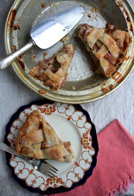 Mom's rhubarb pie
