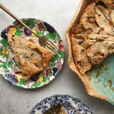 Crustless apple pie